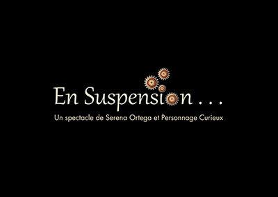 En suspension